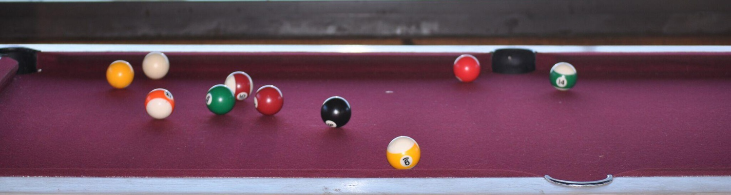 Lapa entertainment area with pool table near Plettenberg Bay